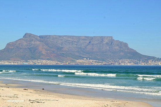 Bloubergstrand Beach: Table Mountain View