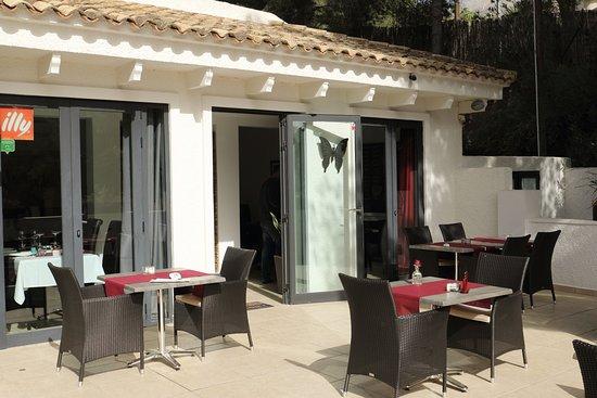 Altea la Vella, Spain: the restaurant terrace