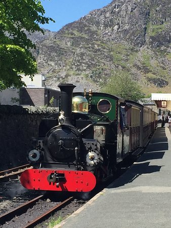 Ffestiniog & Welsh Highland Railways: photo2.jpg