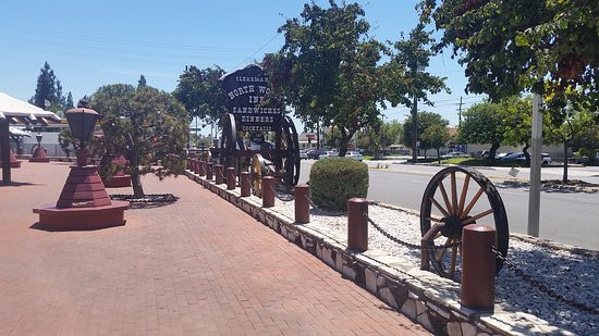 Covina, Californie : The really neat-o outside sign