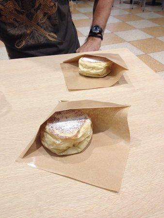Vimercate, Włochy: Anche il dolce ripieno di cioccolato bianco è buono