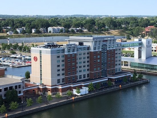 picture of sheraton erie bayfront hotel erie. Black Bedroom Furniture Sets. Home Design Ideas