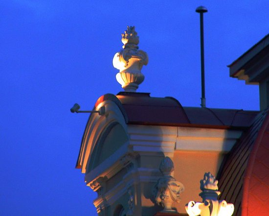Vilnius City Tour : Hotel Kempinski angle