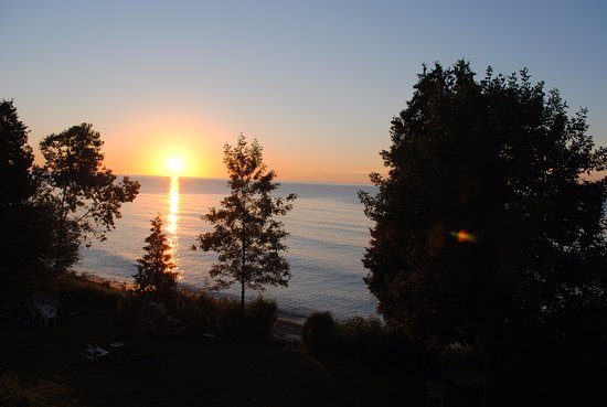 Algoma, WI: Sunrise from balcony