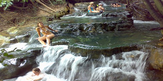 Khlong Thom, Tajlandia: hot waterfall This is one of the hot tourist attraction and one of the unseen Thailand Krabi. Th