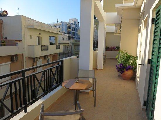Hotel Mirabello: wrap around balcony