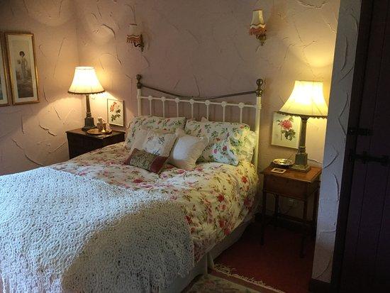 Haddon Grove Farm Cottages: Farmhouse Bedroom