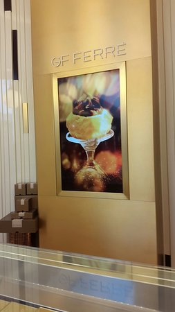 Ferre Cafe: Interior