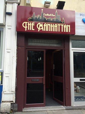 Manhattan Cocktail Bar