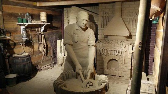Garderen, Hollanda: Zandsculptuur: De hoefsmit