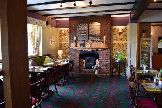 Axminster, UK: cosy dining room