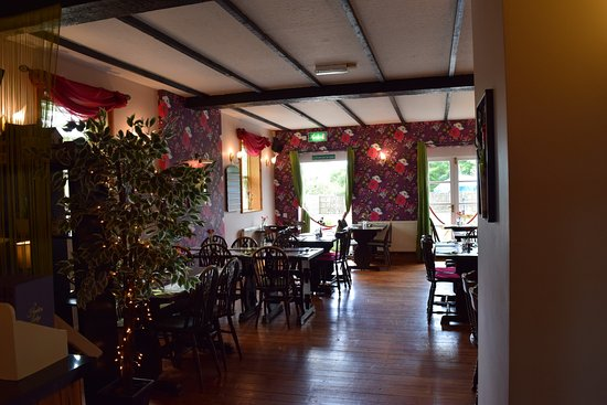 Axminster, UK: another dining room