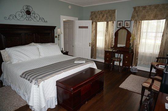 Yadkinville, Северная Каролина: Chardonnay Room