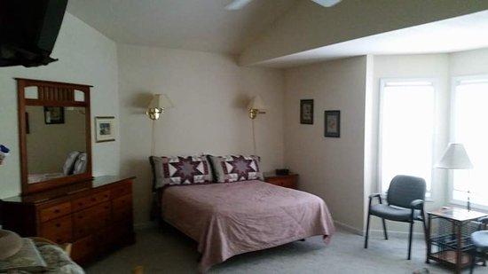 Lake Lure, NC: Our Room.