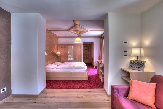 Hotel Lech da Sompunt: Comfort with living room