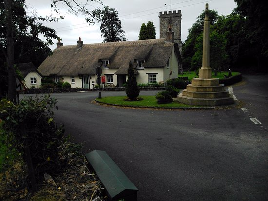 Honiton, UK: Cottage in the village adjacent to the pub