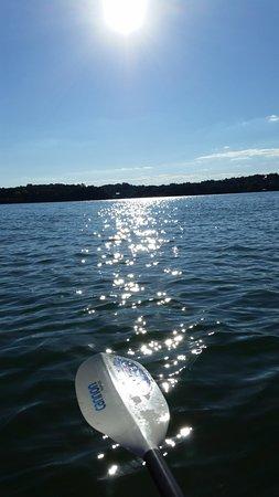 Dandridge, TN: Kayaking mid day not a boat around