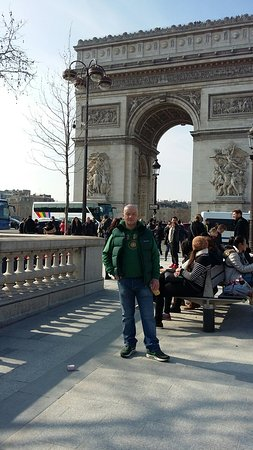 Hotel Galileo: Big love in beautiful romantic Paris