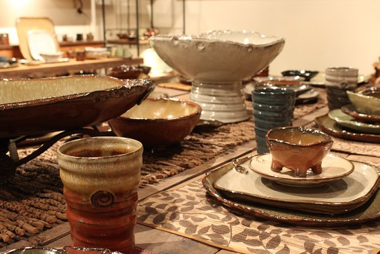 Leeds, AL: Earthborn Pottery, Handmade Detail