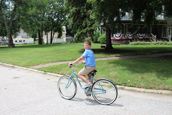 Battle Creek, IA: enjoying a bike ride (2 bikes were provided by The Inn)