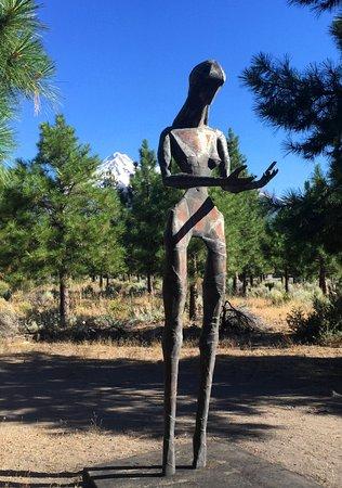 Weed, Kalifornia: Those Left Behind