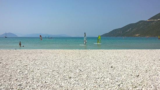 أوديون هوتل: schwimmen, Surfen