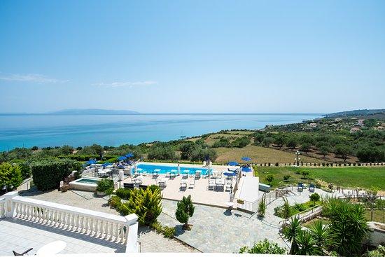 Trapezaki Bay Hotel Picture