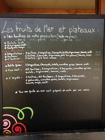 Ares, Frankrike: L'Oyat's Café