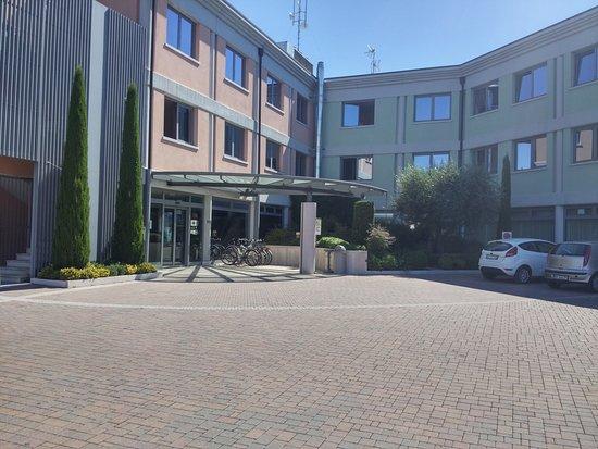 Vigasio, Itália: Esterno dell'hotel