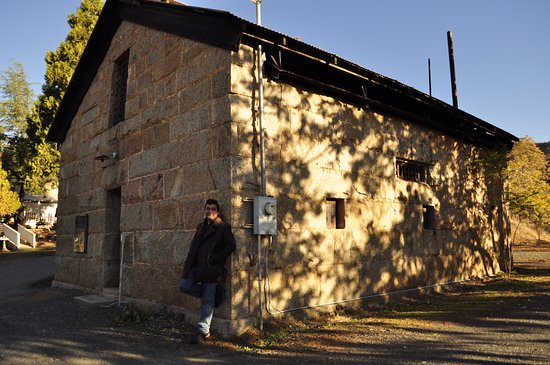 Mariposa County's old stone jail, simple place