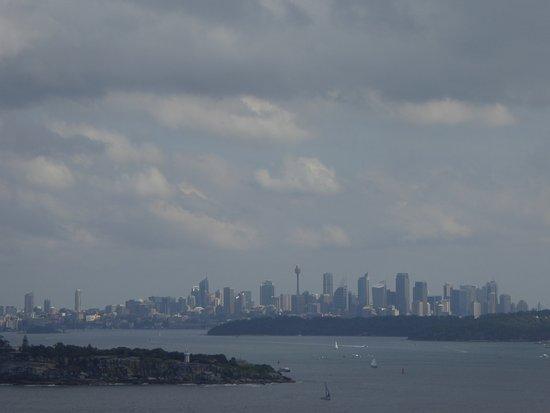 Varonil, Australia: Blick über Sydney Hafen ostwärts vom Weg nach North Haed ei Manly.