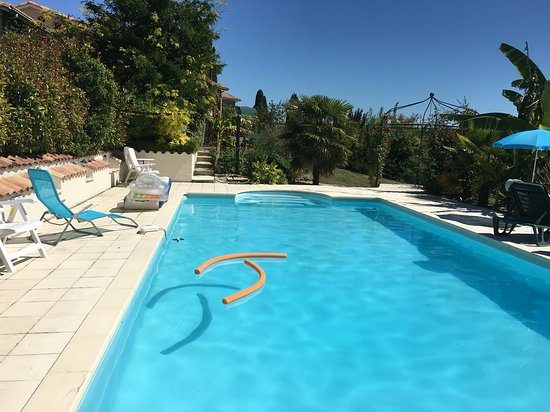 Coulx, Prancis: The excellent large pool