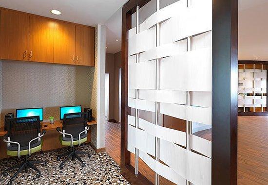 Carle Place, estado de Nueva York: Business Center