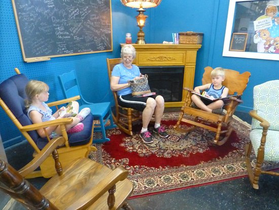 Austin, MN: Rocking out in our reading corner!