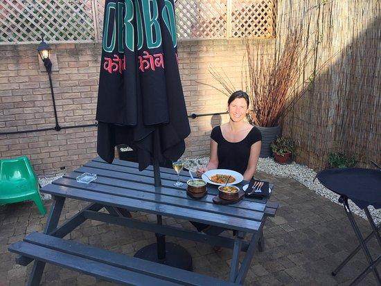 Hinckley, UK: Dining in the cobra garden