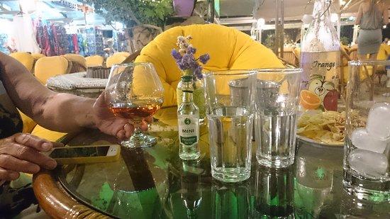 Loutraki, Grecja: Late night Metaxa brandy