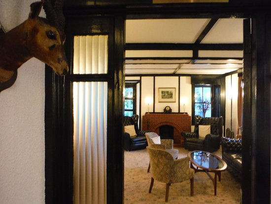 Kilmory, UK: from lobby into common room