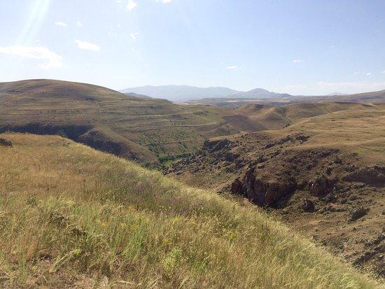 Karahundj (Armenia's Stonehenge) : photo3.jpg