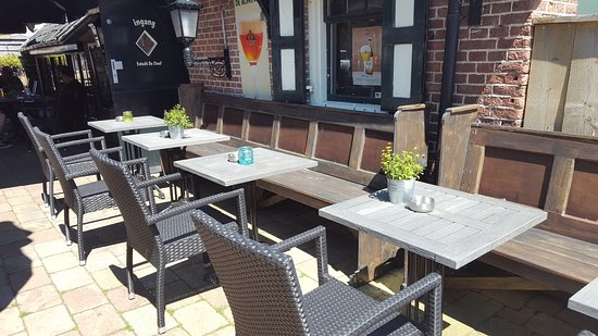 Nunspeet, The Netherlands: Very nice to eat outside