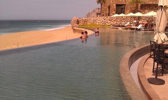 Grand Solmar Land's End Resort & Spa: Infinity Pool overlooking the Pacific Ocean