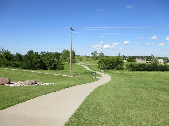 Valley City, ND: Trails on the site with Native American burial mounds on either side