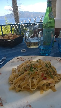 Santa Marina Salina, Italia: linquine alla mediterranea