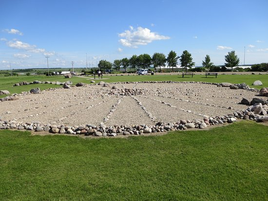 Valley City, ND: Medicine wheel and model of solar system in the park