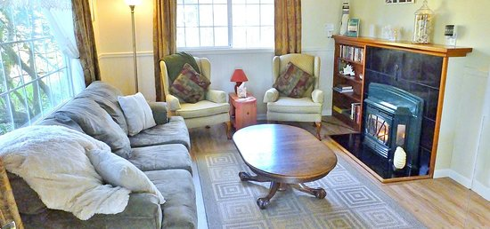 Cloverdale, Όρεγκον: Cottage Living Room