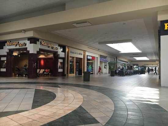 Food Court In Tyrone Mall Picture Of Tyrone Square Mall