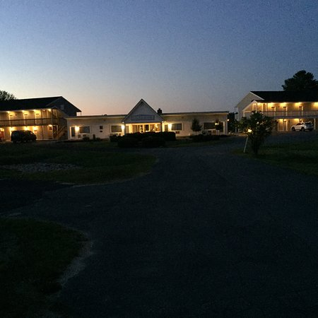 The Lake Motel: photo1.jpg