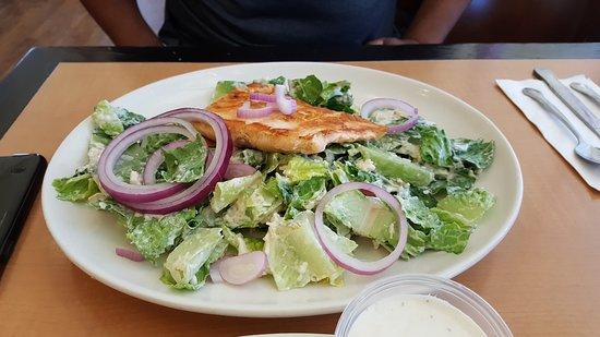 Lakewood, Kalifornien: Salmon Salad