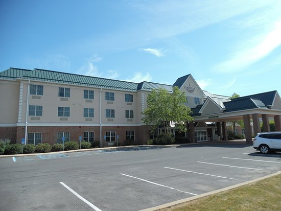Lewisburg, Pensilvania: Hotel from the parking lot