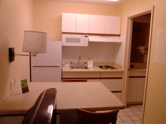 Extended Stay America - Birmingham - Perimeter Park South: Full kitchen