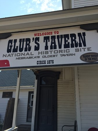 Glur's Tavern: Oldest tavern!